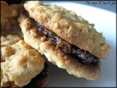 Sturdy biscuits that are in the category both health and decadent! The marriage of oats and dates is Desserts With Biscuits, Cookie Desserts, Sweet Desserts, Easy Desserts, Cookie Recipes, Dessert Recipes, Dessert Biscuits, Confort Food, Cakes Plus
