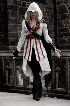 Cosplay: an assassin  Fandom: assassin's creed Cosplayer: Unknown