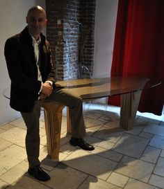 http://www.contemporist.com/2010/04/27/the-strutturaquattro-table-by-davide-vercelli/