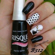 Nail Art - Nagel Design , Nail Trends , nail art galleries - Black and white Nail art visit here for more nail art inspo Black Nail Designs, Pretty Nail Designs, Best Nail Art Designs, Fancy Nails, Trendy Nails, Easy Nail Art, Cool Nail Art, Black And White Nail Art, White Art