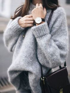 Chunky gray sweater Street style, street fashion, best street style, OOTD, OOTD Inspo, street style stalking, outfit ideas, what to wear now, Fashion Bloggers, Style, Seasonal Style, Outfit Inspiration, Trends, Looks, Outfits.