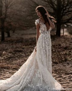 Sexy Deep V-Neck Backless Lace Big Pendulum Evening Dress – Owily wedding gown Sexy Deep V-Neck Backless Lace Big Pendulum Evening Dress Western Wedding Dresses, Dream Wedding Dresses, Bridal Dresses, Wedding Gowns, Princess Wedding, Wedding Bride, Chic Wedding, Lace Wedding, Illusion Dress