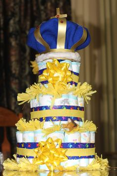 Diy Tutorial Of Diaper Cake With A Crown