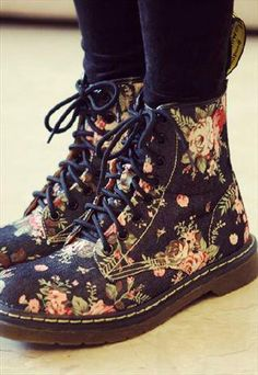 Can't wait for these to arrive :D women shoe.........want 2 gift swagata :-P
