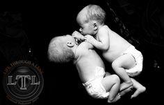 twins newborn photography Newborn Twins, Maternity Photography, Baby Pictures, Children Photography, Picture Ideas, Babies, Kids, Young Children, Babys