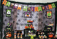 Bird's Party Blog: A Stunning Little Monsters Halloween Desserts Table !!