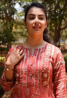 Women S Fashion Like Boden Beautiful Girl Photo, Beautiful Girl Indian, Most Beautiful Indian Actress, Beautiful Saree, Beautiful Bride, Cute Beauty, Beauty Full Girl, Beauty Women, India Beauty