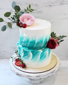 Almost looks beach like cake two tier blue brush technique Gorgeous Cakes, Pretty Cakes, Cute Cakes, Amazing Cakes, Unique Cakes, Creative Cakes, Bolo Russo, Brushstroke Cake, Beach Cakes