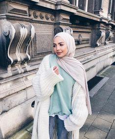 messy monday🍃 – Best Of Likes Share Modern Hijab Fashion, Street Hijab Fashion, Hijab Fashion Inspiration, Islamic Fashion, Abaya Fashion, Muslim Fashion, Modest Fashion, Fashion Outfits, Hijab Elegante