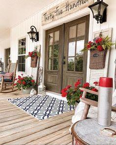 Outdoor Rugs, Outdoor Living, Outdoor Decor, Outdoor Ideas, Outdoor Spaces, Fixer Upper, Farmhouse Front Porches, Country Porches, Home Porch