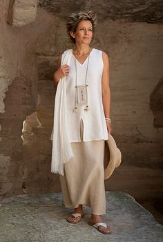 linen Outfit: sarouel skirt and short tunic. Amalthee.