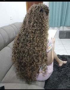 Long Face Hairstyles, Permed Hairstyles, Long Curly Hair, Curly Hair Styles, Long Hair Models, Spiral Curls, Long Curls, Super Long Hair, Long Faces