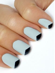 Tutorial: Triangle Tip French Manicure - Click the image for the Tutorial!