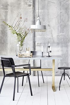 The House Doctor Ace armrest chair looks great in any home. Combine the Ace House Doctor with other House Doctor furniture for a great look! Furniture Design, Table, Brass Dining Table, Interior Furniture, Dining Room Industrial, House Doctor, Interior, Zinc Dining Tables, Dining Table
