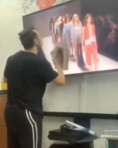 Now who greased the floor right there? Credit: tiktok@lelito_89 #funny #cool #video #viral #cool Funny Video Clips, Grease, Flooring, Photo And Video, Videos, Instagram, Humor, Funny Clips Videos, Wood Flooring