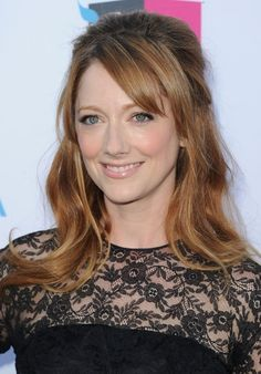 Judy Greer Half Up Half Down Wedding Hairstyle with Side Swept Bangs | Hairstyles Weekly