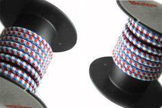Un élastique bleu, blanc, rouge chez Marlow