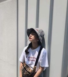 Korean Girl Fashion, Ulzzang Fashion, Cute Fashion, Asian Fashion, Outfits With Hats, Girl Outfits, Fashion Outfits, Ulzzang Korean Girl, Uzzlang Girl