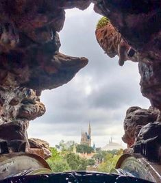 The view atop Splash Mountain before the drop Disney Food, Disney Parks, Walt Disney World, Disneyland Photos, Splash Mountain, Disney World Magic Kingdom, Mount Rushmore, The Incredibles, Earth