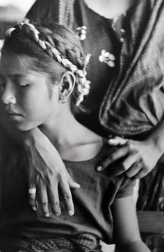 Henri Cartier-Bresson, Mexico (girl with braids), 1934. Peter Fetterman Gallery.