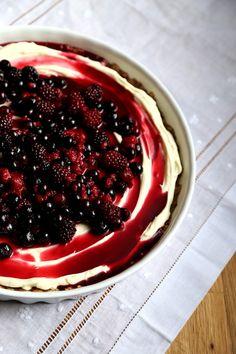 Mascarpone Cheesecake with Berries  Cardamom