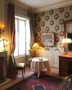 Bedroom 27: first floor bedroom overlooking the courtyard; Walls paneled and lined with Napoleon III printed canvas.  Chambre 27 : chambre au premier étage sur cour; murs lambrissés et tapissés de toile imprimée d'époque Napoléon III.  #LaMirande #Avignon #5stars  #versailles #provence #luxurytravel #luxuryhotel #artdevivre #luxuryhotel #hospitality #honeymooners #lifewelltravelled #wanderlustfrance #wanderlust #france #provence #weekendinfrance #weinprovence #provencelife #provencelifestyle…