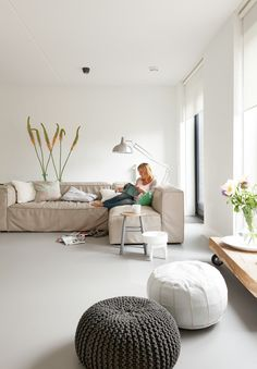 Marmoleum vloer beton look Forbo Marmoleum Selected By Piet Boon, kleur Piet Boon 01 Decor, Furniture, Home Living Room, Interior, Home, Linoleum Flooring, House Interior, Marmoleum, Marmoleum Floors