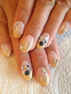 Christmas gold nail