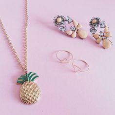 #jewelryoftheday  Fio Pineapple // Brincos Candy // Anéis Triangle ⇒WWW.VANILLAVICE.COM