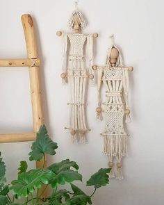 Heidi Martin MyMacramaniaさんはInstagramを利用しています:「Raise your hand if you think this vintage macramé couple is pretty neat #vintage #handmade #macrame #wallhanging #chairish…」