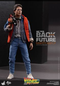 Hot Toys 1/6th Scale Marty McFly Collectible Figure