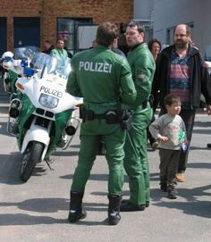 Images of male MOTORCYCLE cops from around the world. Possible gay content. Possibly NSFW. Cop Uniform, Police Uniforms, Men In Uniform, Mad Max, Bike Leathers, Hot Cops, Military Men, Models, Super Skinny Jeans