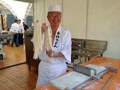 Speciale Ingrediente Parma: ospiti a #Parma i cuochi della Prefettura Giapponese di Kagawa che hanno offerto ai cittadini l'udon, piatto della tradizione nazionale.