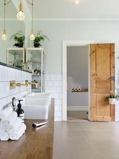 "Anna Truelsen interior stylist: Bathroom ""THE SUIT"" -reportage in Comfortable home Pine Doors, Wooden Doors, Wooden Interior Doors, Bathroom Inspiration, Interior Inspiration, Deco Design, Small Bathroom, Bathroom Doors, Tranquil Bathroom"
