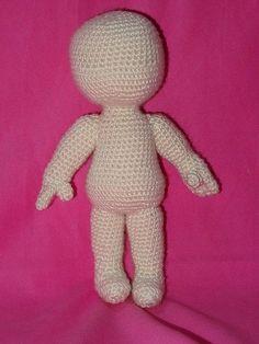 NIN, bambola amigurumi unisex, schema gratis