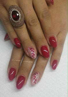 Opting for bright colours or intricate nail art isn't a must anymore. This year, nude nail designs are becoming a trend. Here are some nude nail designs. Fancy Nails, Pink Nails, Cute Nails, Red Gel Nails, Red Nail Art, Acrylic Nails, Stylish Nails, Trendy Nails, Nagel Stamping