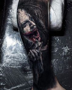 Tattoo artist Sandry Riffard, black and grey horror realistic tattoo Zombie Tattoos, Wicked Tattoos, Creepy Tattoos, Badass Tattoos, Life Tattoos, Body Art Tattoos, Sleeve Tattoos, Tattoo Bein, Demon Tattoo