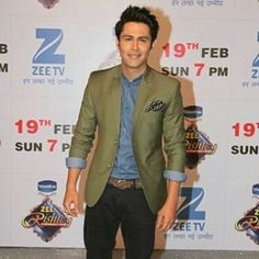 His smile makes me smile. I Smile, Make Me Smile, Beautiful Indian Actress, Indian Actresses, Tape, Blazer, Men, Fashion, Moda