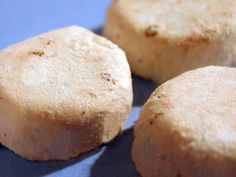 DIY Bath Fizzies ~ Lavender Fizz Bath Bombs ( they kinda look like cookies, pretty sure you should not eat them. I would make mine look less like cookies)