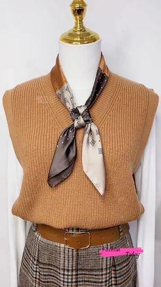Ways To Tie Scarves, Ways To Wear A Scarf, How To Wear Scarves, Scarf Knots, Diy Scarf, Scarf Belt, Scarf Wearing Styles, Scarf Styles, Diy Clothes Life Hacks