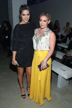 Pin for Later: Le Meilleur de la Fashion Week de New York Se Trouvait au Premier Rang Lorenza Izzo et Hilary Duff Au défilé Jenny Packham.