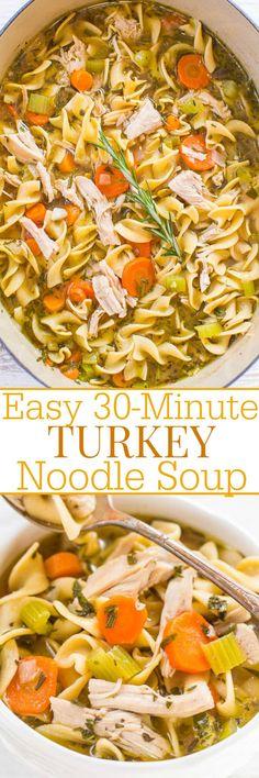 Fácil de 30 minutos Turquía sopa de fideos - Tener sobrantes de pavo de Acción de Gracias?  ¡¡HACER ESTO!!  Es rápido, fácil, abundante, lleno de sabor, y sabe como casera sopa de pollo de la abuela, pero con el pavo !!