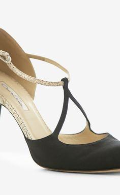 Oscar de la Renta Beige And Black Sandal//