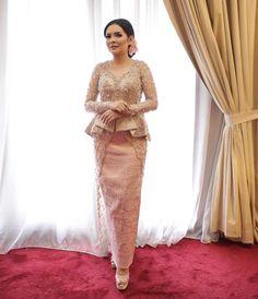 Kebaya Peplum, Kebaya Lace, Kebaya Hijab, Kebaya Brokat, Batik Kebaya, Kebaya Muslim, Thai Fashion, Hijab Fashion, Kebaya Modern Dress