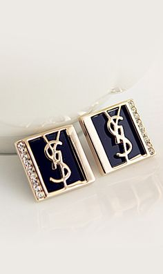 Retro earrings for parties. Free Shipping Worldwide