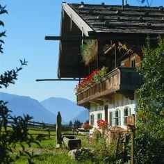 Typical house in Chiemgau | Germany - Die deutschen Alpen - [ESSEN & TRINKEN]