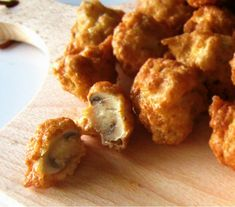 Champignons in bierbeslag2 Vegan Foods, Tapas, Cauliflower, Party, Snacks, Chicken, Vegetables, Ethnic Recipes, Mushroom