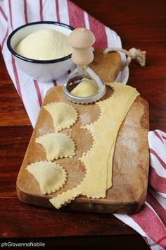 Preparando i ravioli  Ricetta/recipe: www.lacuocaeclettica.it/