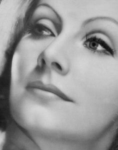 Greta Garbo The Divane Mysterious Swedish Woman. Hollywood Icons, Hollywood Actor, Golden Age Of Hollywood, Vintage Hollywood, Hollywood Glamour, Hollywood Stars, Hollywood Actresses, Classic Hollywood, Divas