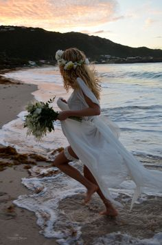 Bohemiens #wedding #St Barth, wild flowers, #beach, sunset. #destinationwedding for #goldnguestevents at Hotel Cheval Blanc St Barth - Picture by Chrystèle Escure - www.goldnguest.com